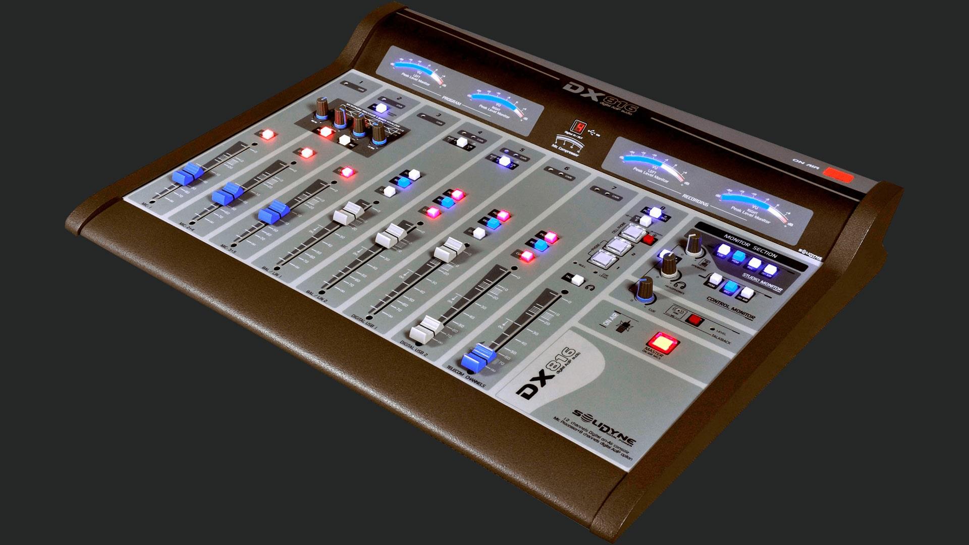 Consola-DX816-Fondo-Solidyne-Televisión-Radio-Emisoras-FM-AM-Internet-Virtual-Online-Buena-Imagen-Bogotá-Colombia